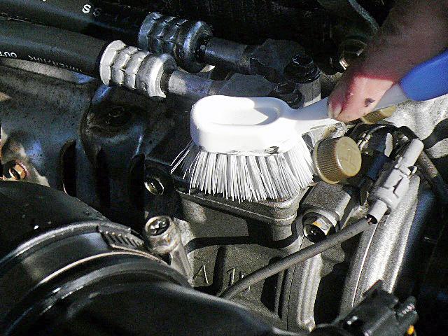 78プラドエンジンデグレザー高圧洗浄ブラッシング03